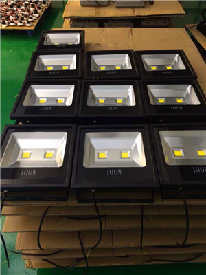3-Years-Warranty-IP66-Outdoor-waterproof-led-150W-Flood-Light