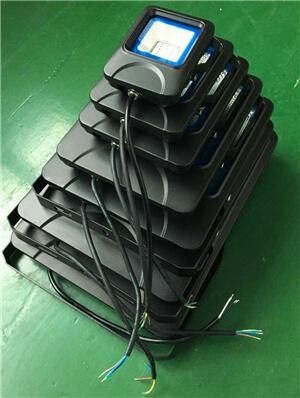 Outdoor-lamp-with-chip-wavelength-395-405nm-for-500W-UV-LED-Flood-light-UV-LED-Floodlight
